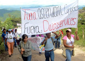 Intag residents protest Canadian mining corporation Ascendant Copper. The compay left Intag in 2007 after violent confrontations between locals and paramilitaries.